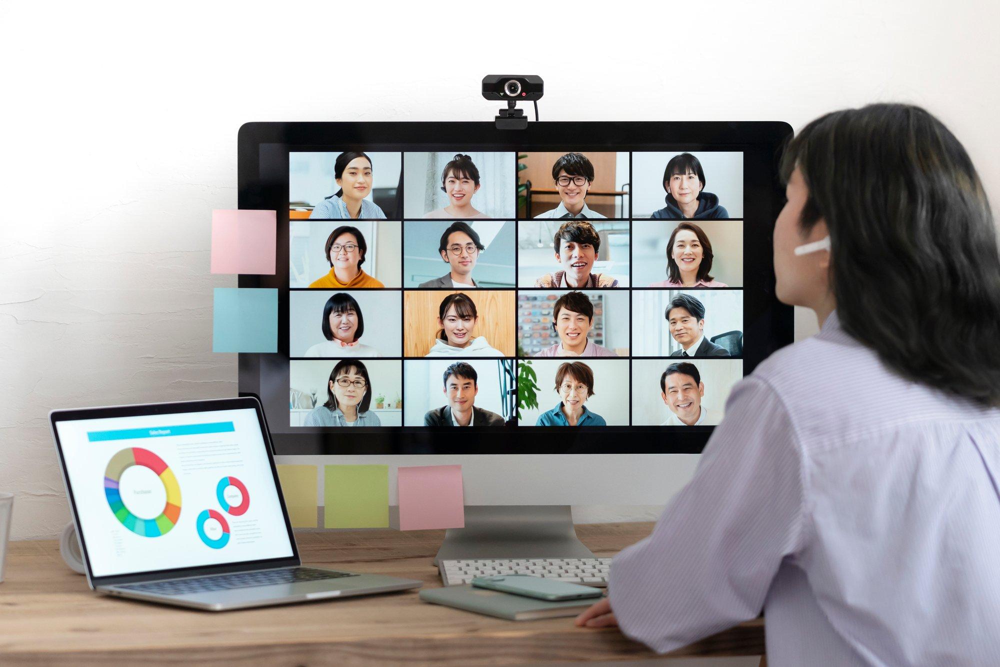 ミーティング機能との違いは?Zoomウェビナーの開催方法と活用ポイント