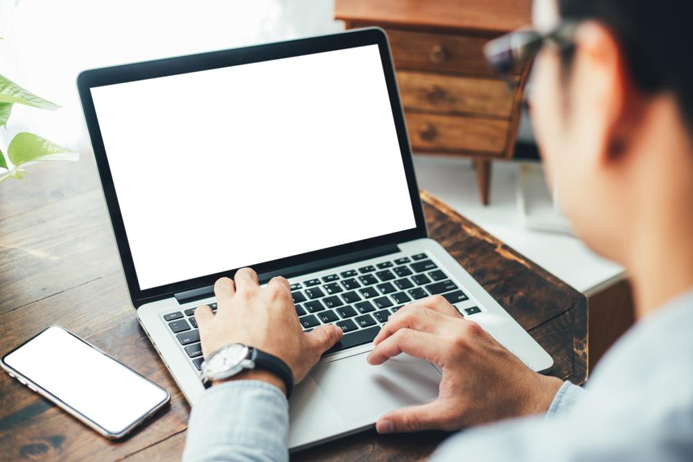 オンライン商談のメリット・デメリットとは?対面営業との違いや注意点、おすすめのWeb会議ツールを紹介