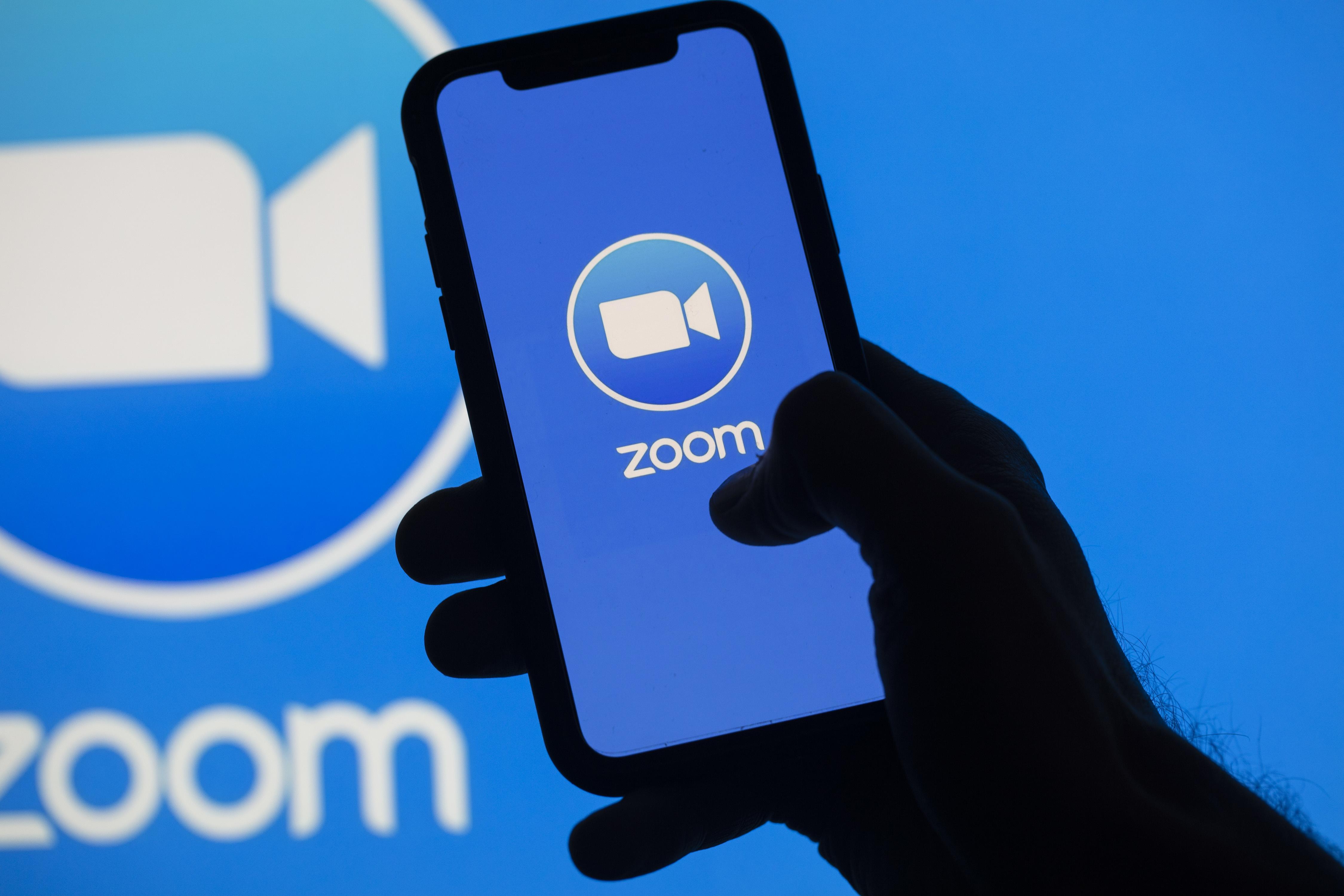 初心者でも分かる「Zoom(ズーム)」の基本〜無料で使える超便利なWEB会議ツールの導入と使い方